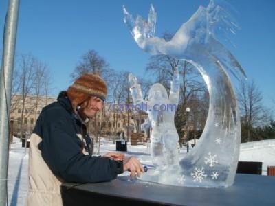 ledo skulpturu